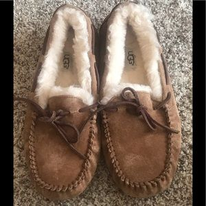 Women's Authentic Tan Brown UGG Slippers, Size 8